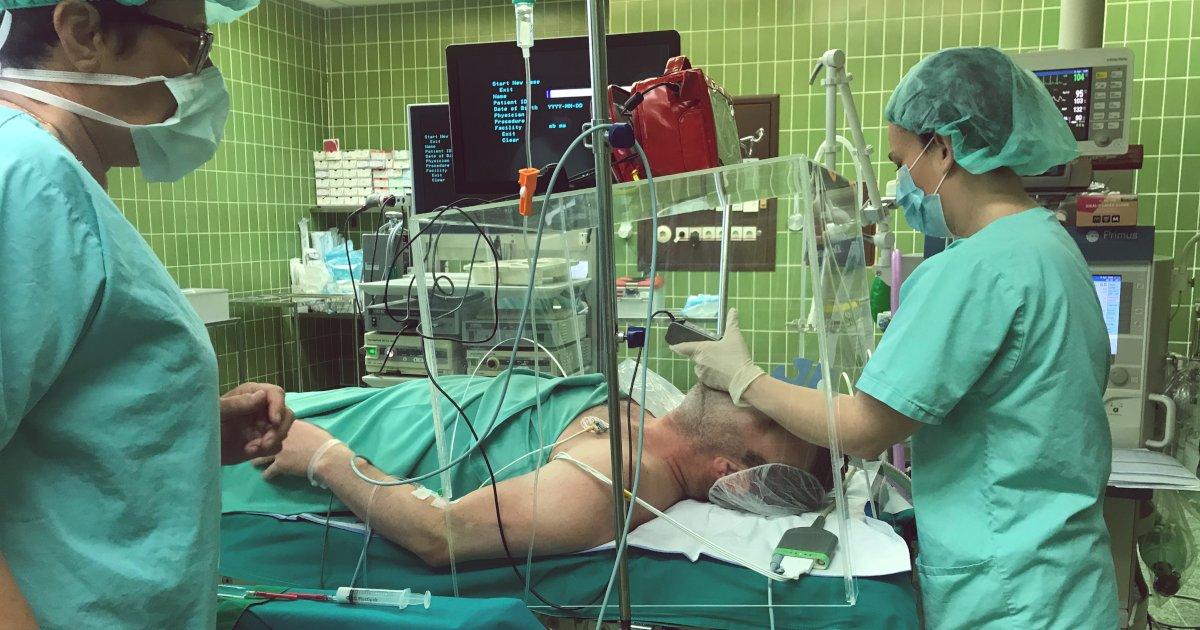 ROTO-akrilne-zascite-za-zdravnisko-osebje-Splosna-bolnisnica-Murska-Sobota